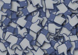 aumentare like facebook